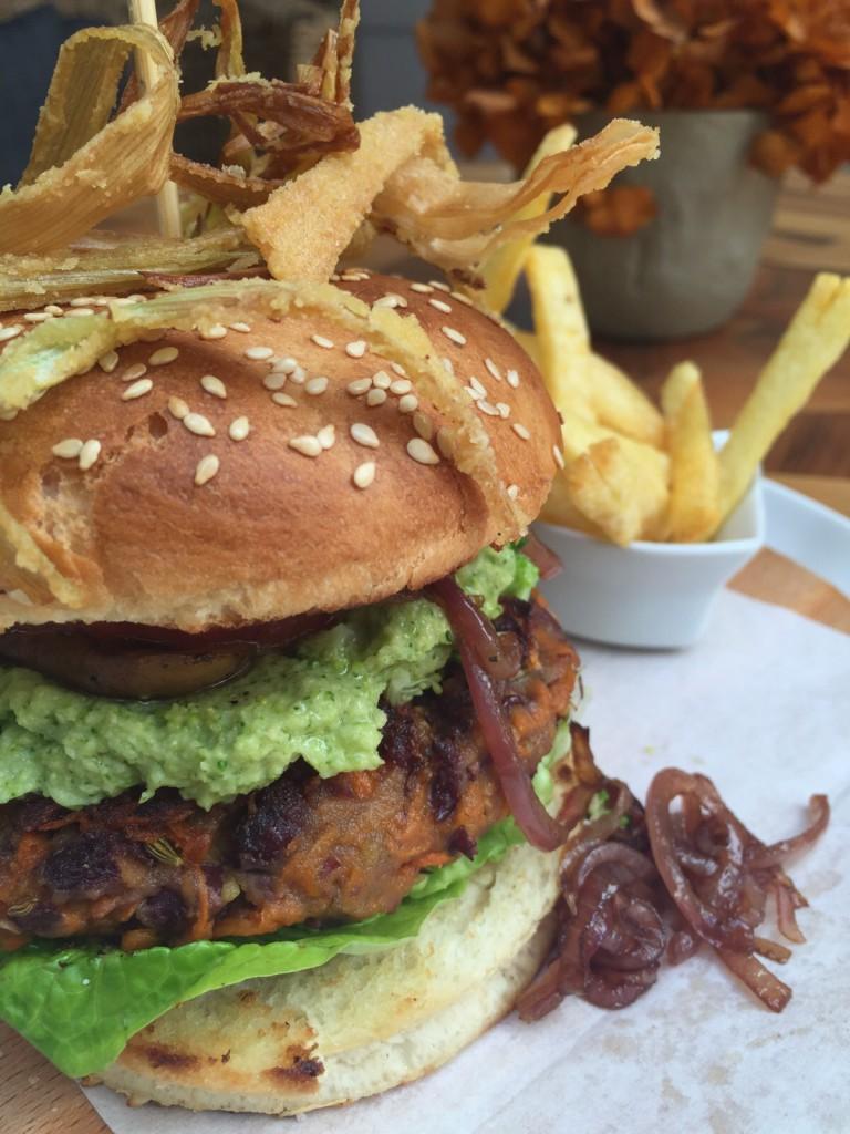 veggieburger+chips-768x1024