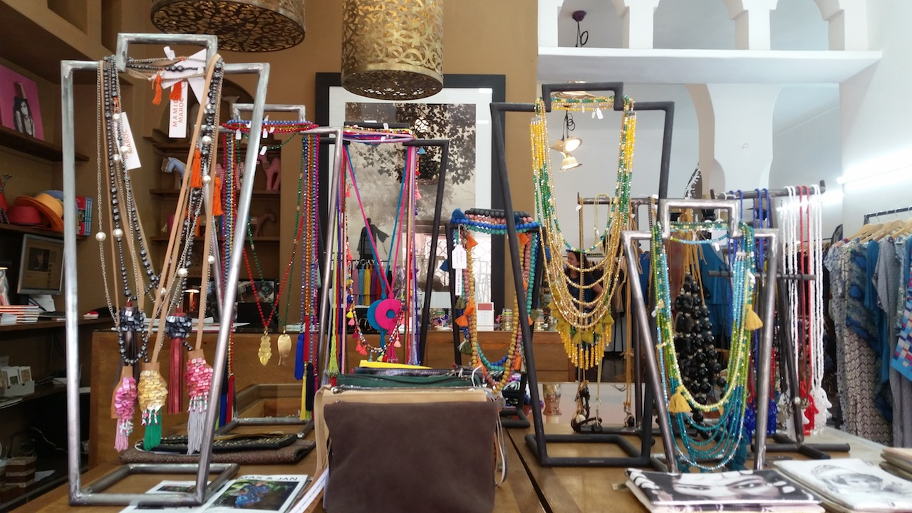 The accessories counter at Max&Jan has something for everyone in a variety of colours.